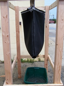 Hanging test bag